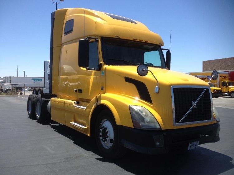 Sleeper Tractor-Heavy Duty Tractors-Volvo-2012-VNL64T670-NORTH LAS VEGAS-NV-465,640 miles-$33,500