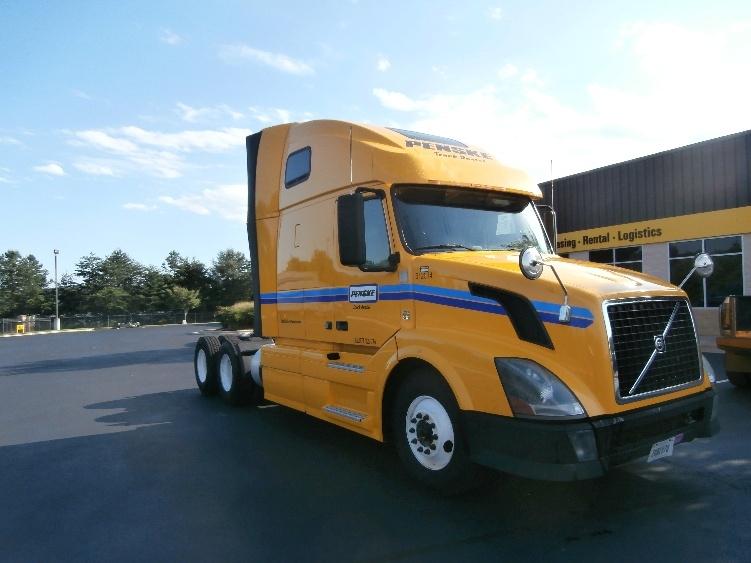 Sleeper Tractor-Heavy Duty Tractors-Volvo-2012-VNL64T670-GRAND RAPIDS-MI-543,404 miles-$33,000