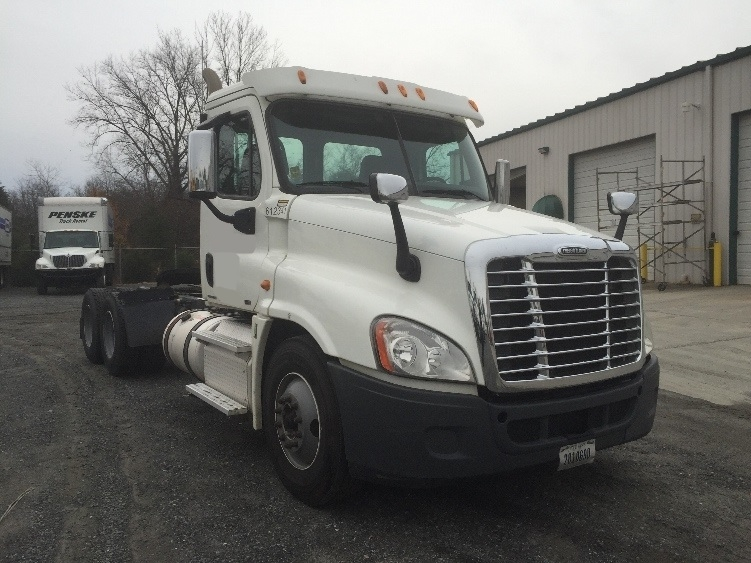 Day Cab Tractor-Heavy Duty Tractors-Freightliner-2012-Cascadia 12564ST-CHARLOTTE-NC-294,189 miles-$38,500