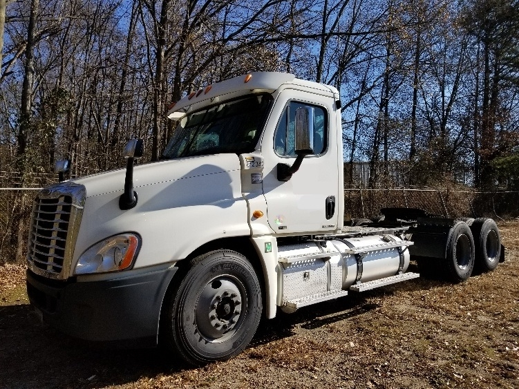 Day Cab Tractor-Heavy Duty Tractors-Freightliner-2012-Cascadia 12564ST-ANDERSON-SC-321,514 miles-$13,000