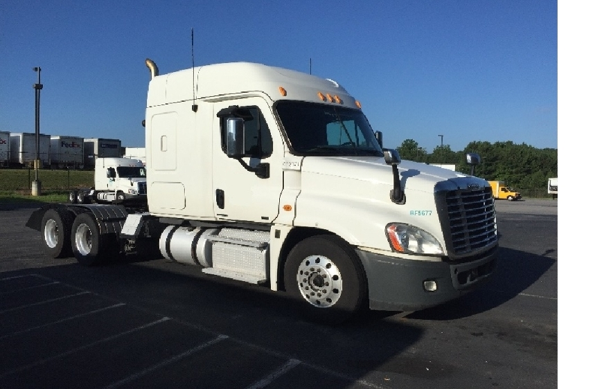 Sleeper Tractor-Heavy Duty Tractors-Freightliner-2012-Cascadia 12564ST-CHESTER-VA-593,255 miles-$38,000