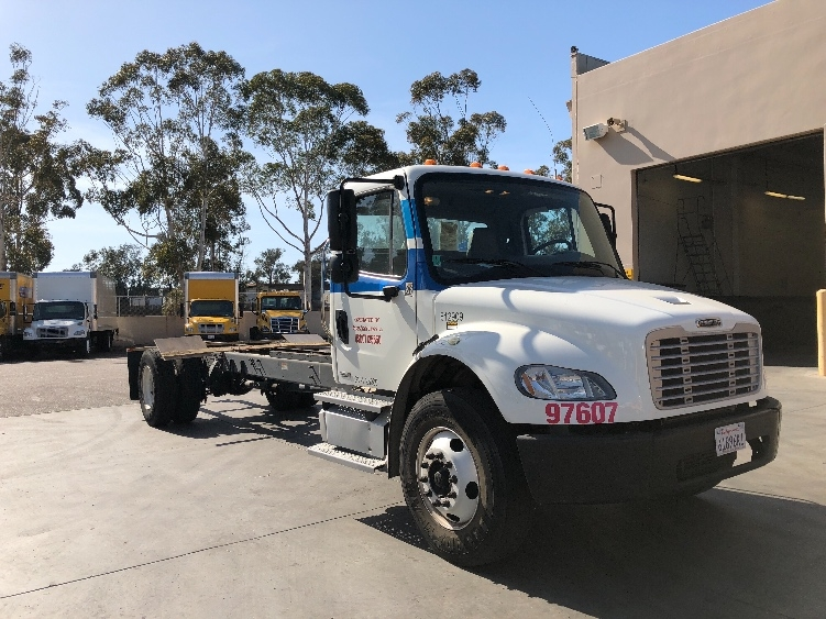 Cab and Chassis Truck-Light and Medium Duty Trucks-Freightliner-2012-M2-TORRANCE-CA-118,891 miles-$43,250