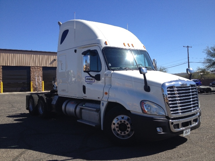 Sleeper Tractor-Heavy Duty Tractors-Freightliner-2012-Cascadia 12564ST-SPARKS-NV-597,000 miles-$38,000