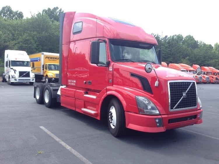 Sleeper Tractor-Heavy Duty Tractors-Volvo-2012-VNL64T670-SUFFOLK-VA-388,361 miles-$46,000