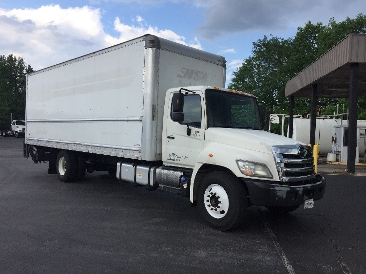 Medium Duty Box Truck-Light and Medium Duty Trucks-Hino-2012-268-CHATTANOOGA-TN-365,319 miles-$25,500
