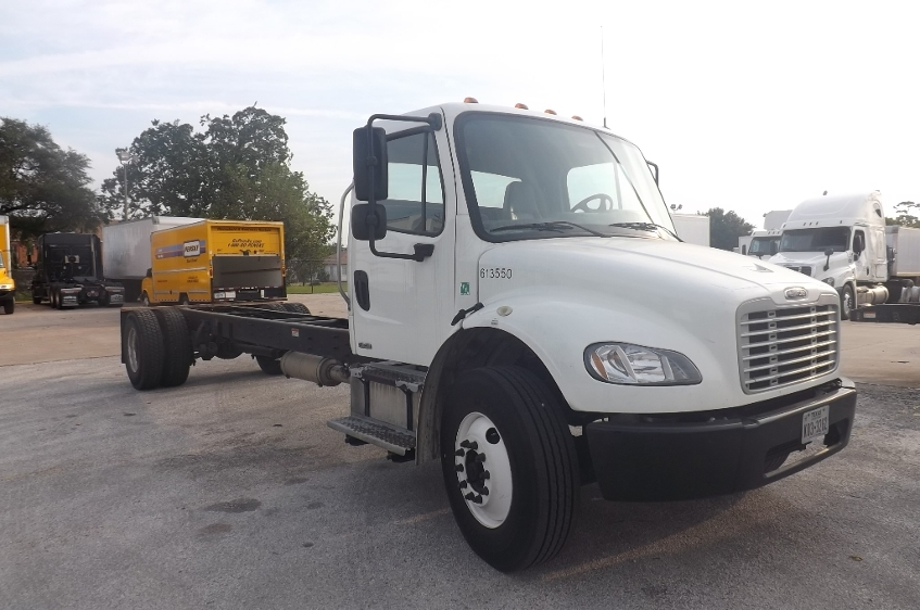 Cab and Chassis Truck-Light and Medium Duty Trucks-Freightliner-2012-M2-HOUSTON-TX-265,168 miles-$25,000