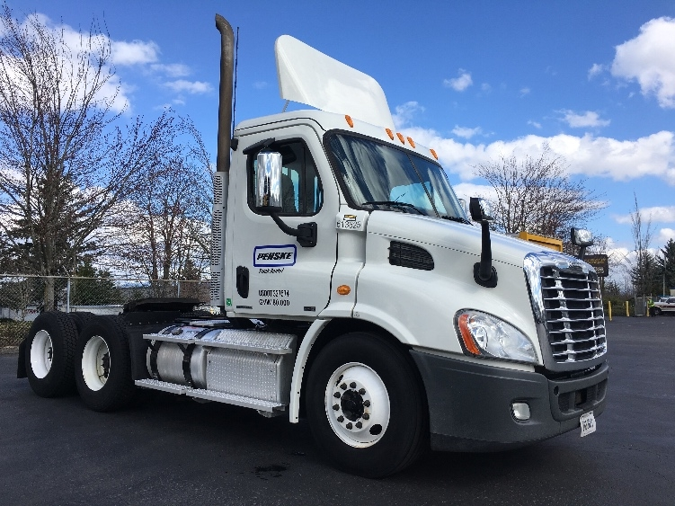 Day Cab Tractor-Heavy Duty Tractors-Freightliner-2012-Cascadia 11364ST-TACOMA-WA-289,235 miles-$43,500