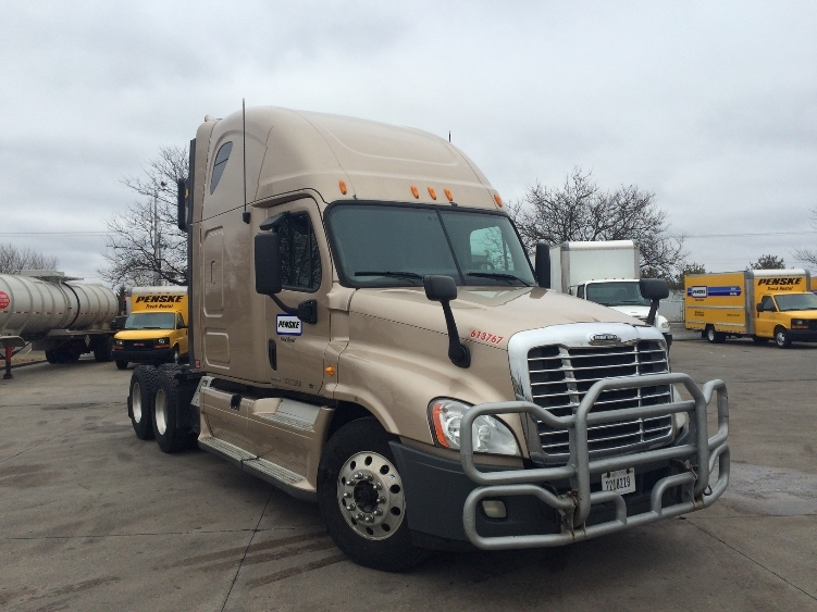 Sleeper Tractor-Heavy Duty Tractors-Freightliner-2012-Cascadia 12564ST-ROSEVILLE-MN-526,655 miles-$40,000