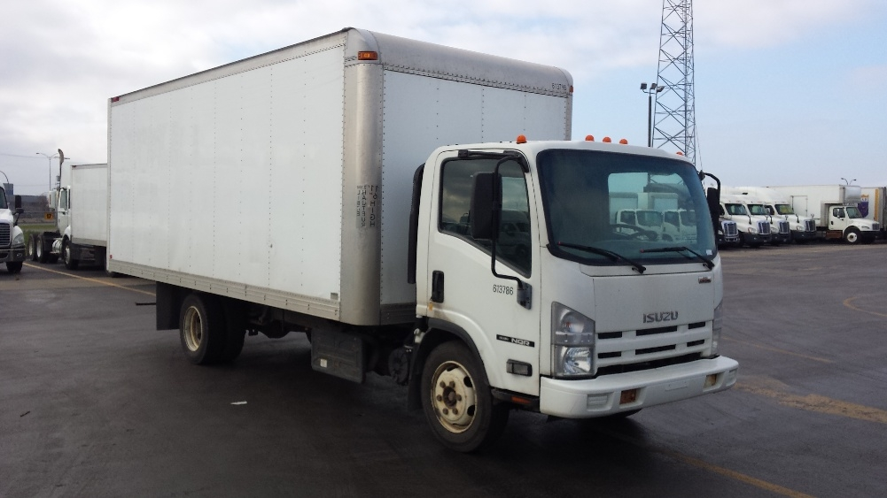 Medium Duty Box Truck-Light and Medium Duty Trucks-Isuzu-2011-NQR-SAINT LAURENT-PQ-207,457 km-$22,750