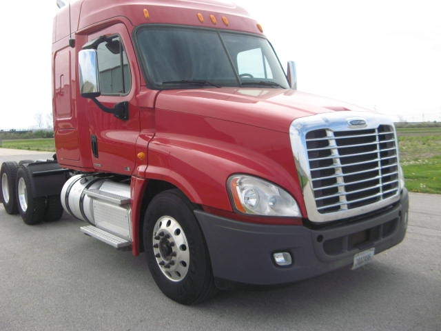 Sleeper Tractor-Heavy Duty Tractors-Freightliner-2012-Cascadia 12564ST-EFFINGHAM-IL-554,304 miles-$40,250