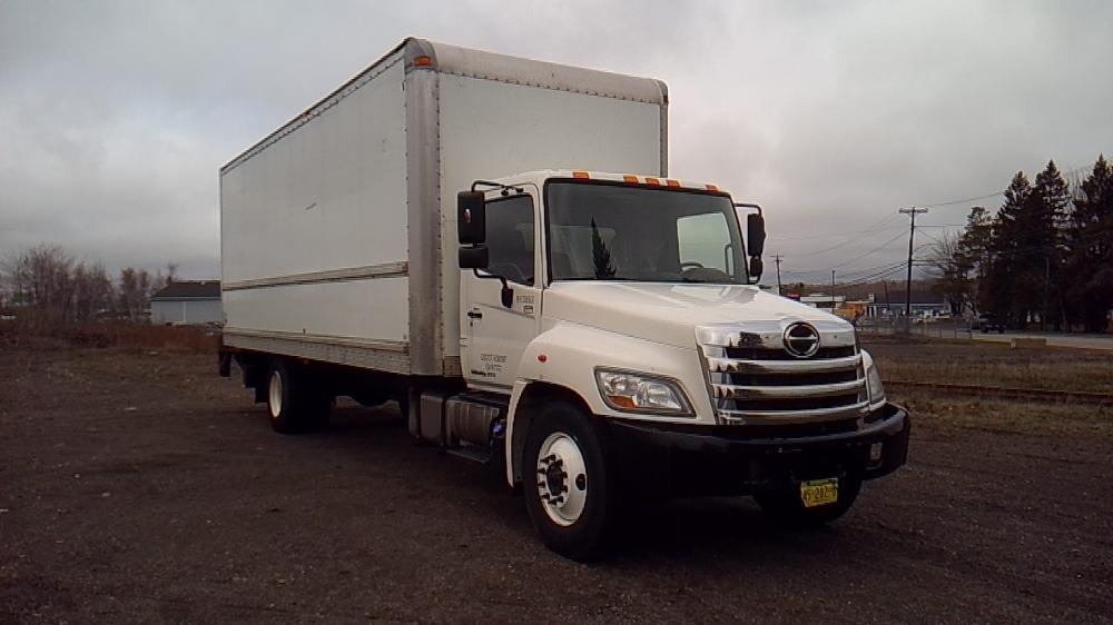 Medium Duty Box Truck-Light and Medium Duty Trucks-Hino-2012-268-MONCTON-NB-260,191 km-$37,250