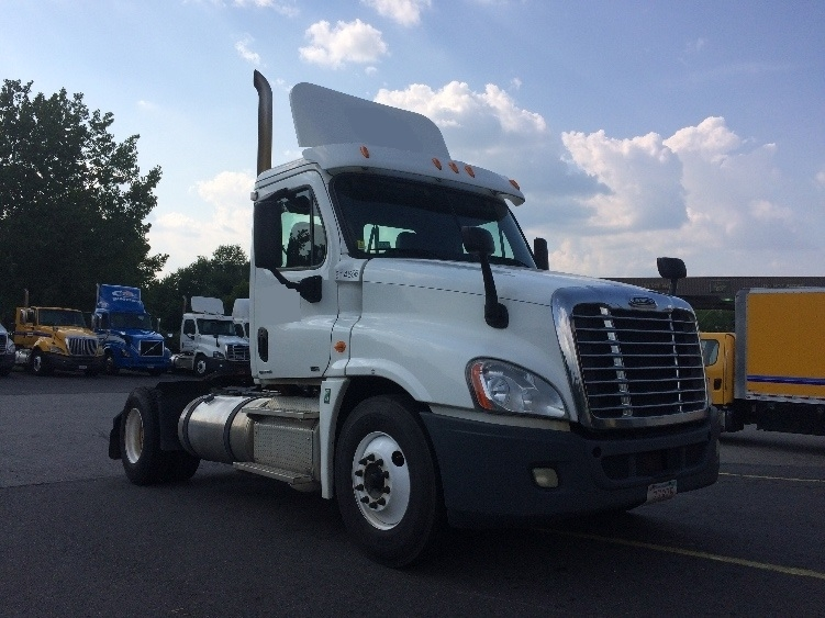 Day Cab Tractor-Heavy Duty Tractors-Freightliner-2012-Cascadia 12542ST-EAST WINDSOR-CT-497,885 miles-$25,500