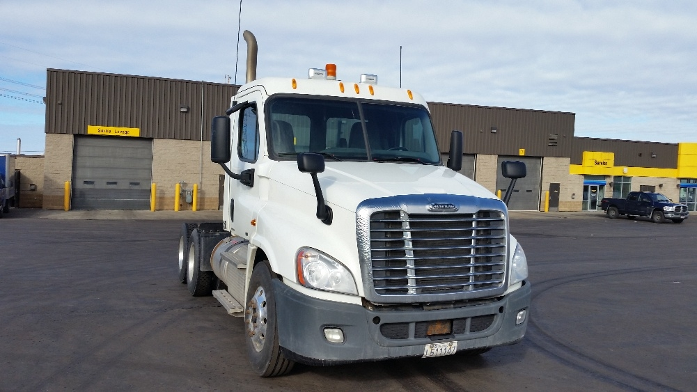 Day Cab Tractor-Heavy Duty Tractors-Freightliner-2012-Cascadia 12564ST-STE-FOY-PQ-409,467 km-$63,000