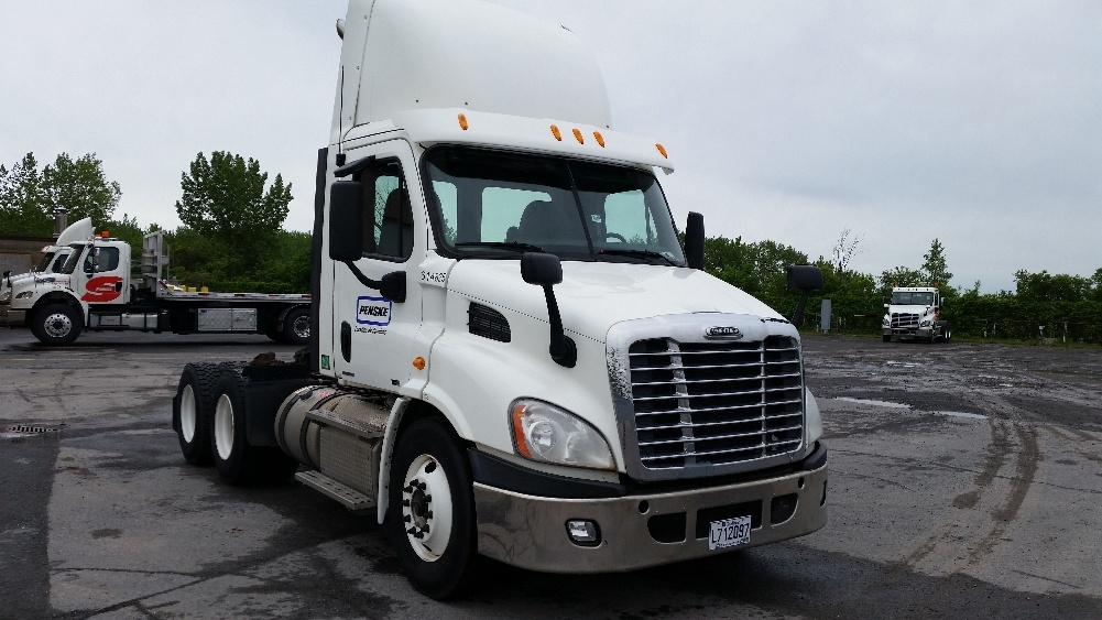 Day Cab Tractor-Heavy Duty Tractors-Freightliner-2012-Cascadia 11364ST-MONTREAL-PQ-854,600 km-$33,250