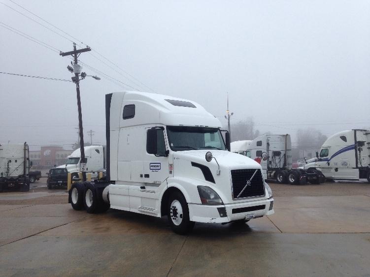 Sleeper Tractor-Heavy Duty Tractors-Volvo-2012-VNL64T670-LOUISVILLE-KY-520,735 miles-$38,500