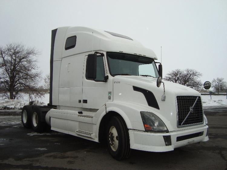 Sleeper Tractor-Heavy Duty Tractors-Volvo-2012-VNL64T670-YAKIMA-WA-433,774 miles-$41,750
