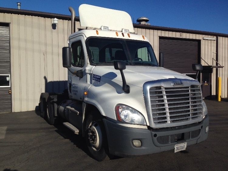 Day Cab Tractor-Heavy Duty Tractors-Freightliner-2012-Cascadia 12564ST-PORTLAND-OR-479,258 miles-$41,750
