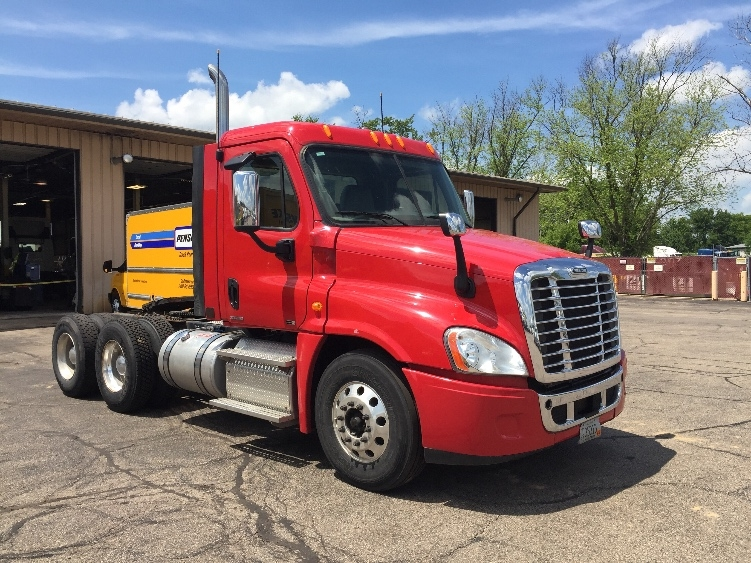 Day Cab Tractor-Heavy Duty Tractors-Freightliner-2012-Cascadia 12564ST-MADISON-WI-229,105 miles-$39,500