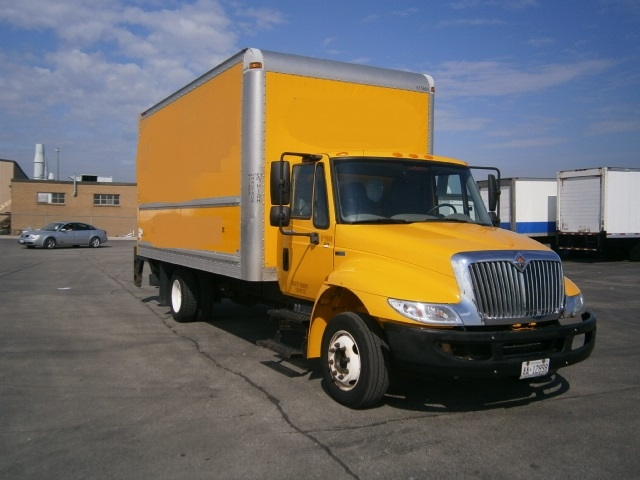 Medium Duty Box Truck-Light and Medium Duty Trucks-International-2012-4300-ETOBICOKE-ON-161,688 km-$32,750
