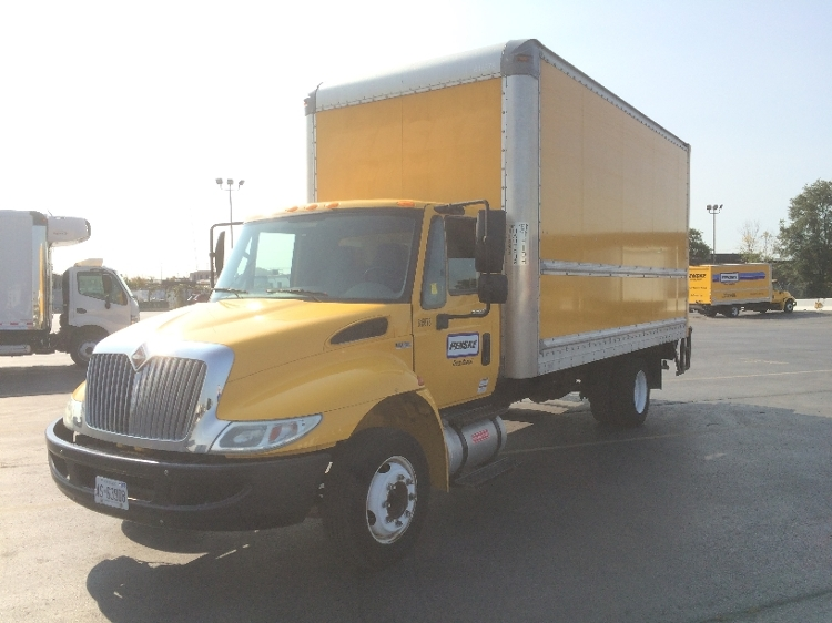 Medium Duty Box Truck-Light and Medium Duty Trucks-International-2012-4300-TORONTO-ON-153,582 km-$28,750
