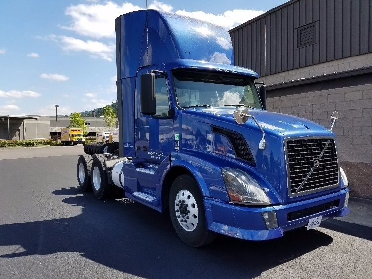Day Cab Tractor-Heavy Duty Tractors-Volvo-2012-VNL64T300-PORTLAND-OR-226,089 miles-$45,000