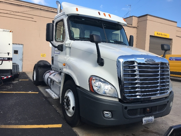 Day Cab Tractor-Heavy Duty Tractors-Freightliner-2012-Cascadia 12542ST-WEST BABYLON-NY-279,660 miles-$35,750