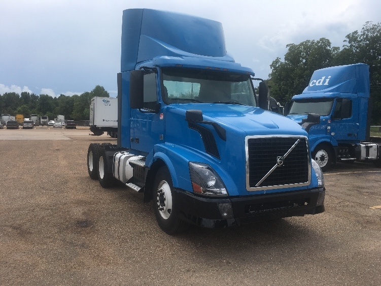 Day Cab Tractor-Heavy Duty Tractors-Volvo-2012-VNL64T300-JACKSON-MS-573,768 miles-$28,750
