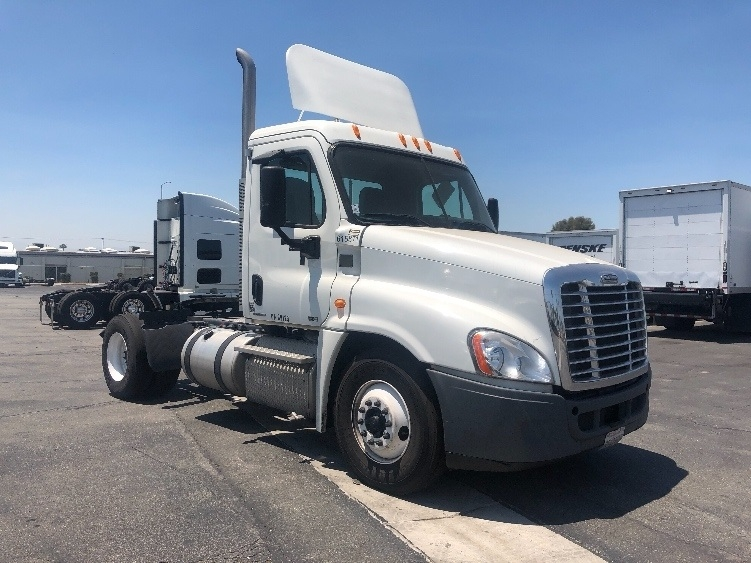 Day Cab Tractor-Heavy Duty Tractors-Freightliner-2012-Cascadia 12542ST-TORRANCE-CA-181,184 miles-$41,250