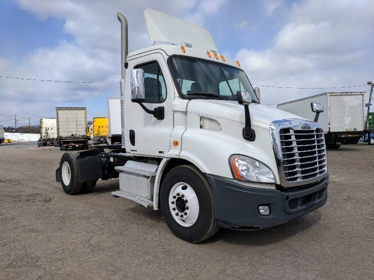 Day Cab Tractor-Heavy Duty Tractors-Freightliner-2012-Cascadia 11342ST-LINDEN-NJ-207,049 miles-$42,750
