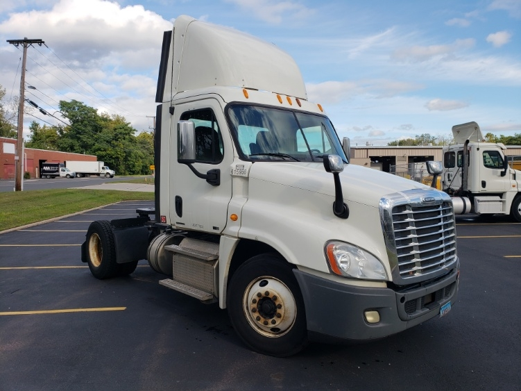 Day Cab Tractor-Heavy Duty Tractors-Freightliner-2012-Cascadia 12542ST-HARTFORD-CT-237,119 miles-$37,500