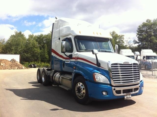 Sleeper Tractor-Heavy Duty Tractors-Freightliner-2012-Cascadia 12564ST-BINGHAMTON-NY-410,749 miles-$38,000