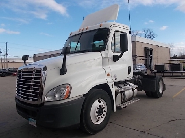 Day Cab Tractor-Heavy Duty Tractors-Freightliner-2012-Cascadia 12542ST-PARKERSBURG-WV-108,563 miles-$44,500