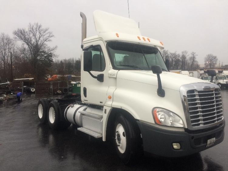 Day Cab Tractor-Heavy Duty Tractors-Freightliner-2012-Cascadia 12564ST-FOREST PARK-GA-190,906 miles-$41,500