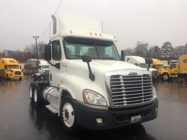 Day Cab Tractor-Heavy Duty Tractors-Freightliner-2012-Cascadia 12564ST-FOREST PARK-GA-160,000 miles-$42,750