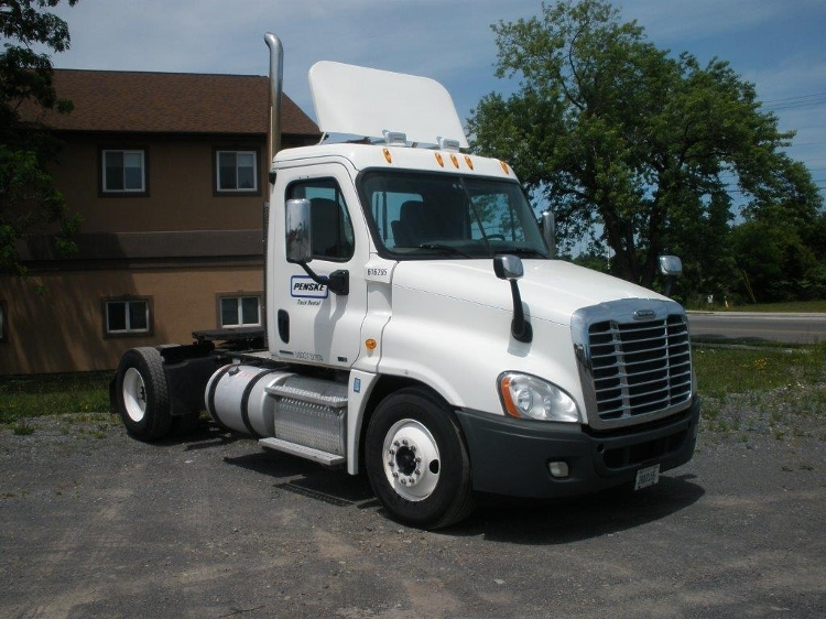 Day Cab Tractor-Heavy Duty Tractors-Freightliner-2012-Cascadia 12542ST-AUBURN-NY-324,113 miles-$45,500