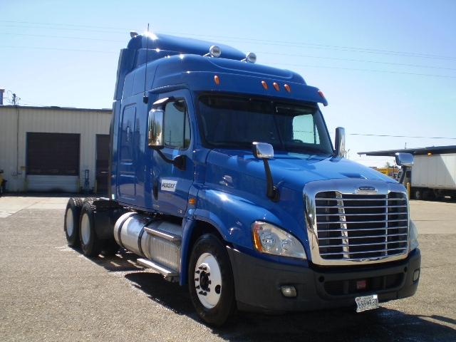 Sleeper Tractor-Heavy Duty Tractors-Freightliner-2012-Cascadia 12564ST-BELDEN-MS-443,346 miles-$37,000