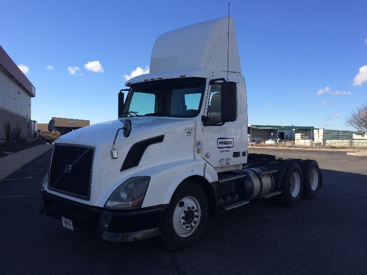 Day Cab Tractor-Heavy Duty Tractors-Volvo-2012-VNL64T300-BOISE-ID-329,717 miles-$39,500