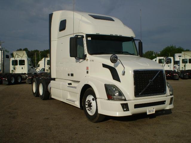Sleeper Tractor-Heavy Duty Tractors-Volvo-2012-VNL64T670-BELDEN-MS-373,026 miles-$45,500