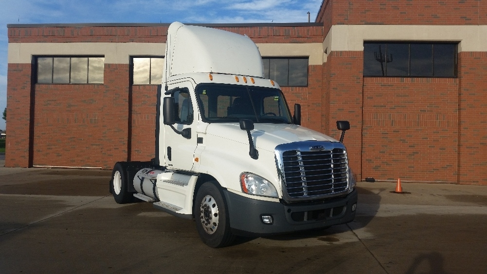 Day Cab Tractor-Heavy Duty Tractors-Freightliner-2012-Cascadia 12542ST-ROMEOVILLE-IL-800,981 miles-$25,500
