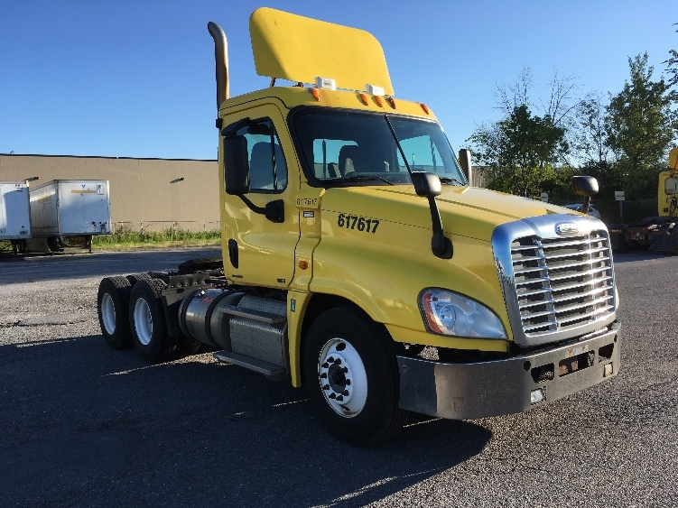 Day Cab Tractor-Heavy Duty Tractors-Freightliner-2012-Cascadia 12564ST-OTTAWA-ON-901,265 km-$43,250