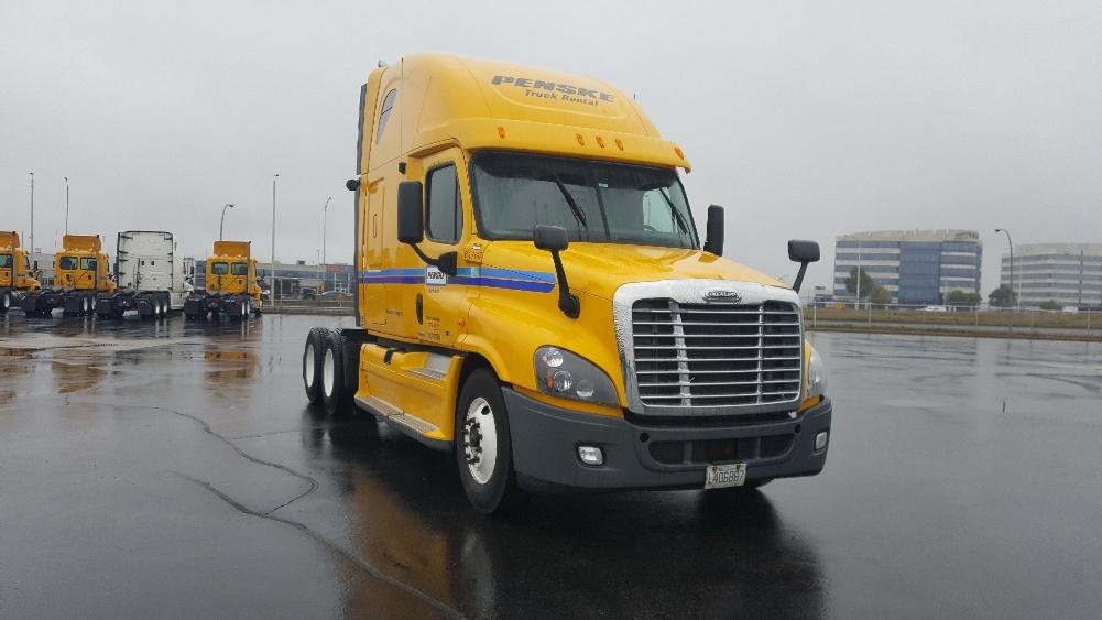 Sleeper Tractor-Heavy Duty Tractors-Freightliner-2012-Cascadia 12564ST-SAINT LAURENT-PQ-809,635 km-$43,250