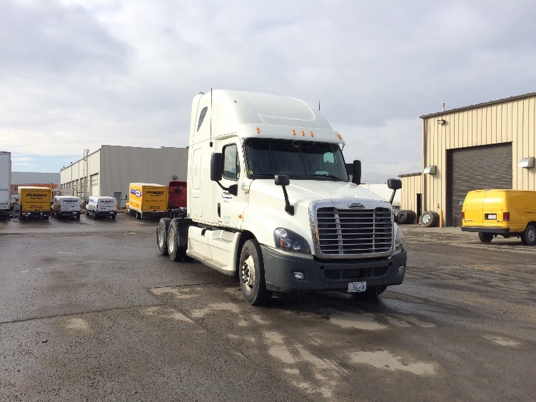 Sleeper Tractor-Heavy Duty Tractors-Freightliner-2012-Cascadia 12564ST-CALGARY-AB-637,103 km-$55,750