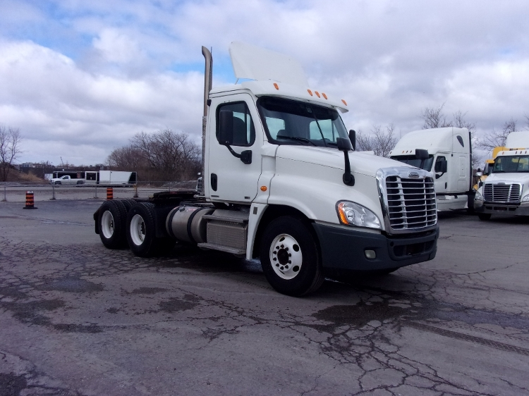 Day Cab Tractor-Heavy Duty Tractors-Freightliner-2012-Cascadia 12564ST-OSHAWA-ON-397,792 km-$61,750