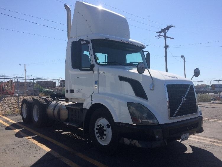 Day Cab Tractor-Heavy Duty Tractors-Volvo-2012-VNL64T300-EL PASO-TX-595,480 miles-$28,000