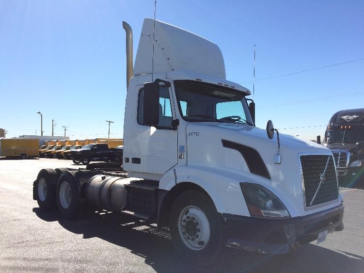 Day Cab Tractor-Heavy Duty Tractors-Volvo-2012-VNL64T300-EL PASO-TX-694,318 miles-$23,750