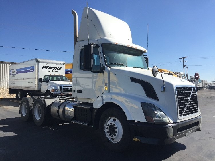 Day Cab Tractor-Heavy Duty Tractors-Volvo-2012-VNL64T300-EL PASO-TX-599,539 miles-$23,750