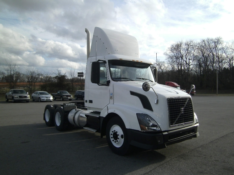 Day Cab Tractor-Heavy Duty Tractors-Volvo-2012-VNL64T300-CLARKSVILLE-TN-342,707 miles-$39,000
