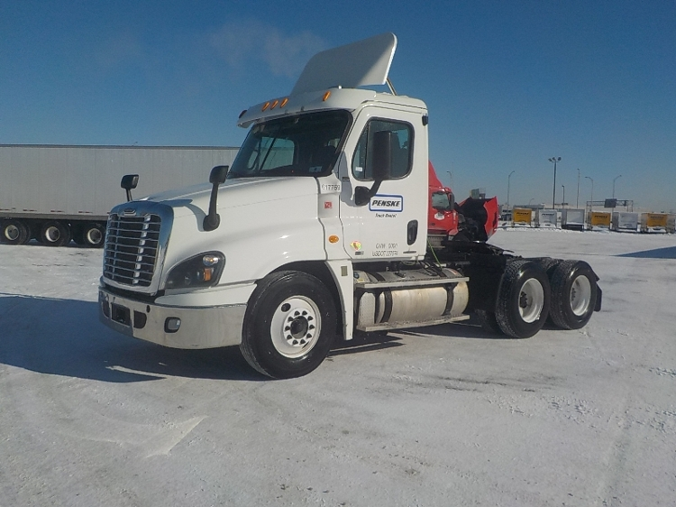Day Cab Tractor-Heavy Duty Tractors-Freightliner-2012-Cascadia 12564ST-SAINT LAURENT-PQ-625,000 km-$44,250