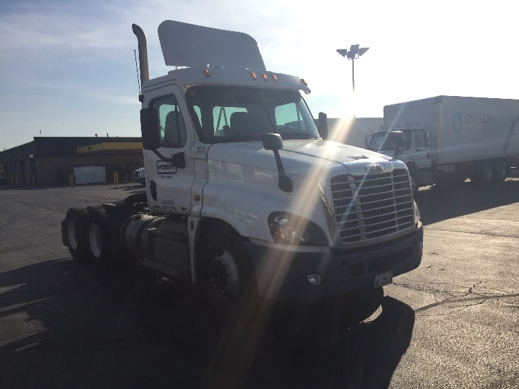 Day Cab Tractor-Heavy Duty Tractors-Freightliner-2012-Cascadia 12564ST-MISSISSAUGA-ON-410,174 km-$53,750