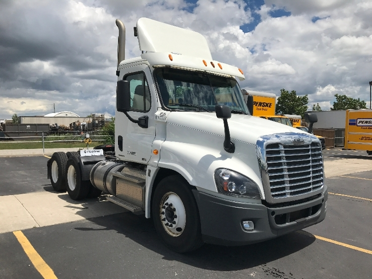 Day Cab Tractor-Heavy Duty Tractors-Freightliner-2012-Cascadia 12564ST-MISSISSAUGA-ON-415,989 km-$57,500